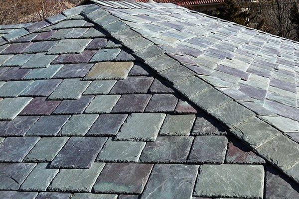 Multi-colored slate roof
