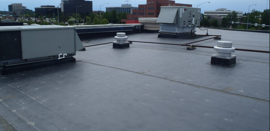 Epdm roof in batesville, tx (2068)